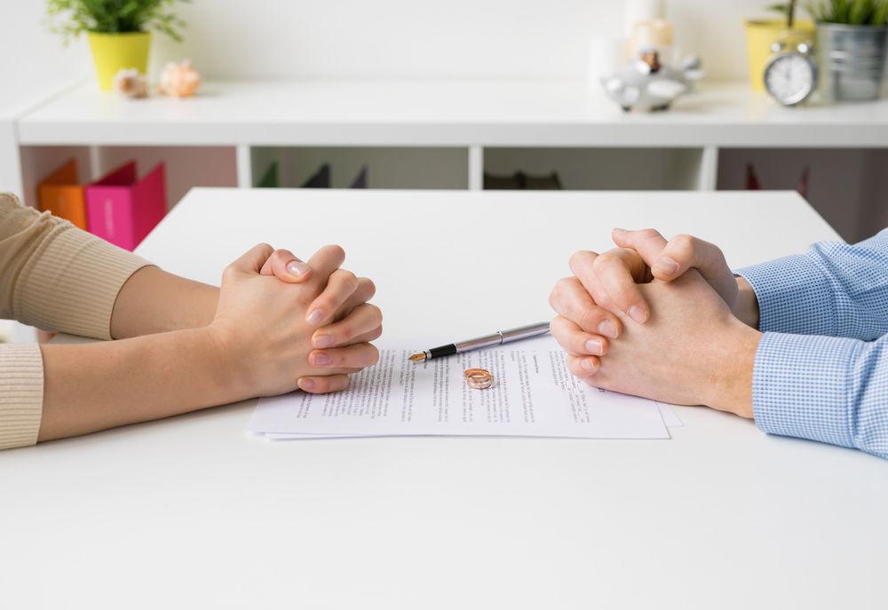 Διαζύγια – Άνθια Κορέλα